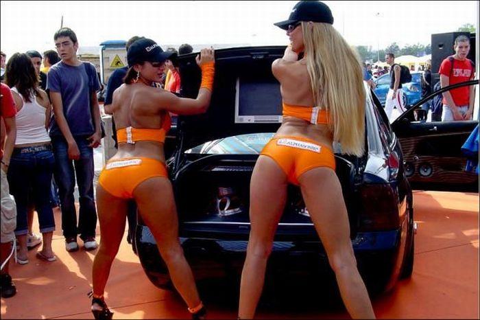 Sexy Sideline Girls (76 pics)