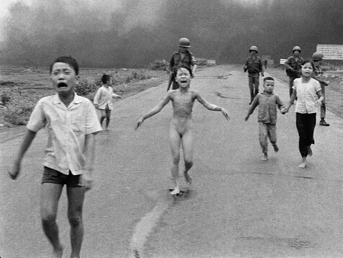 Iconic Photos From the Vietnam War (23 pics)
