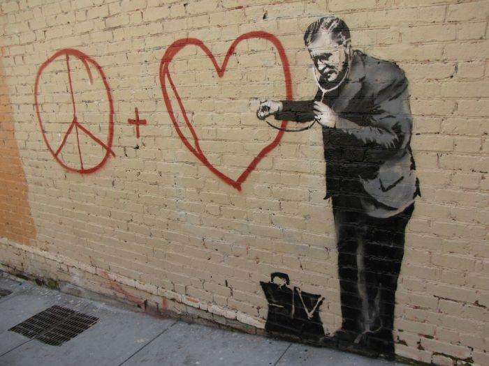 Banksy in San Francisco (18 pics)