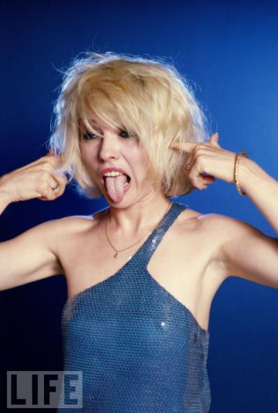 Celebs with Silly Faces (36 pics)