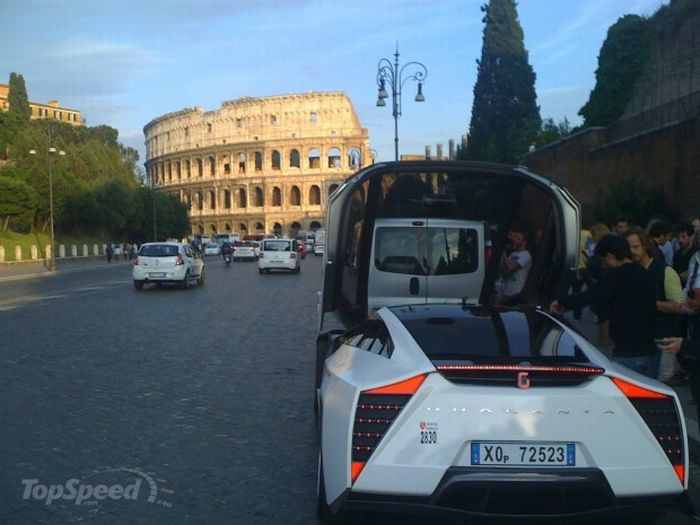 Supercar Taxi in Rome (20 pics)