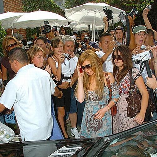 Difficult Life of Paparazzi (42 pics)