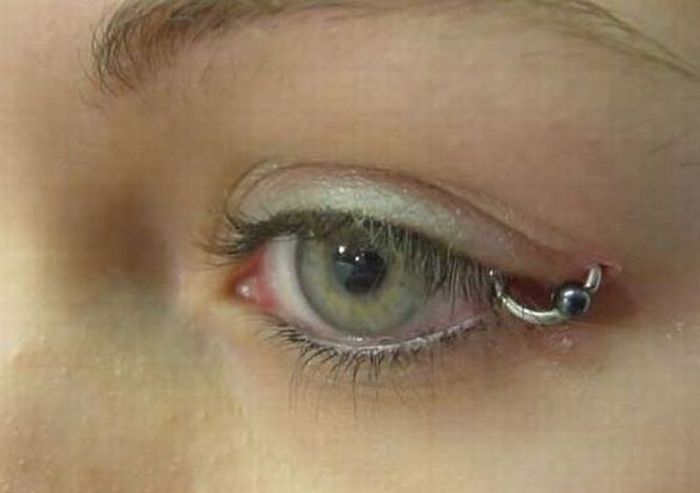 Eye Piercing (18 pics)