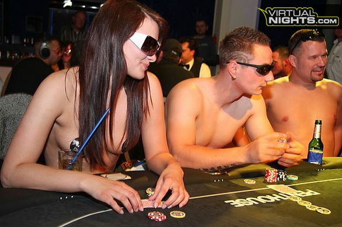 Strip Poker Tournament (32 pics)