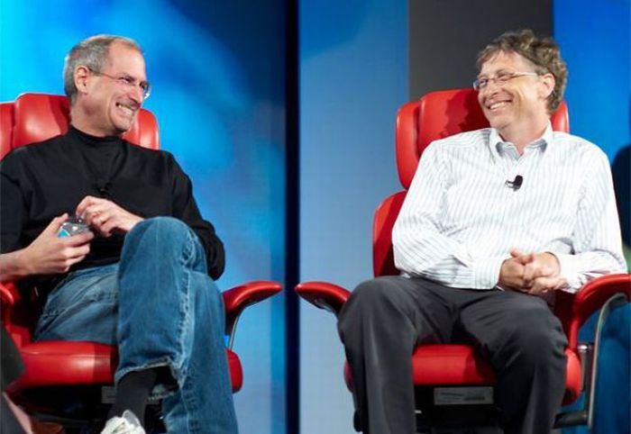 Bill Gates Chatting with Steve Jobs (24 pics)