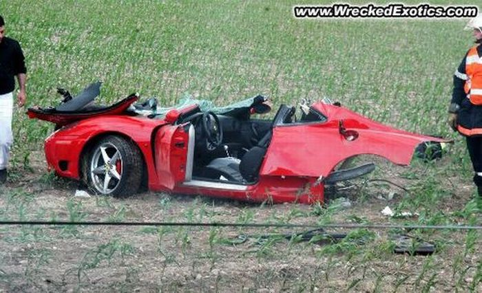 Spectacular Supercar Crashes They Walked Away From (15 pics)