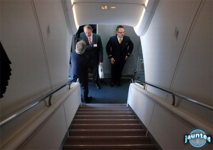 Inside Lufthansa's New Airbus A380 (25 pics)