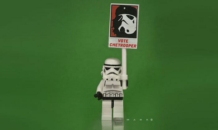 The Secret Life of Star Wars Toys (28 pics)