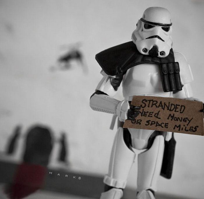 The Secret Life of Star Wars Toys (28 pics)