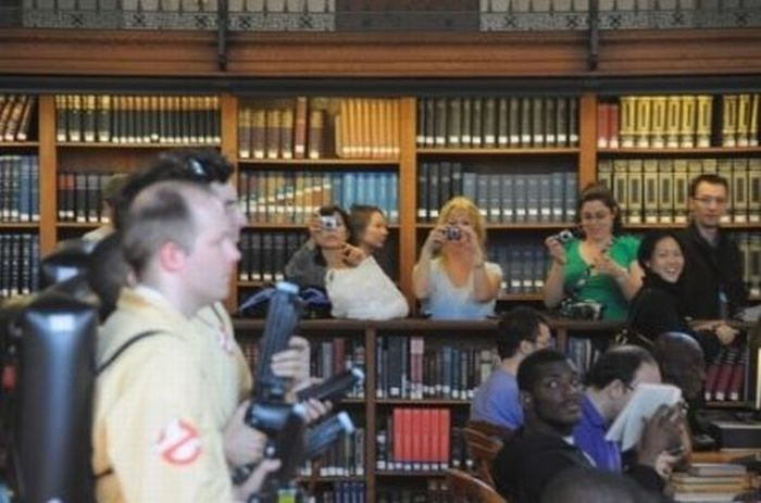 Ghostbusters Flash Mob in the New York Public Library (12 pics + video)