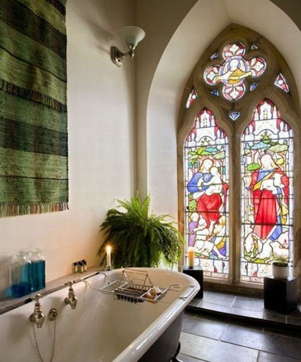 House Inside a Church (12 pics)