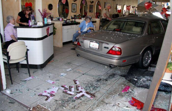 A Senior Citizen Destroys a Barbershop (7 pics)