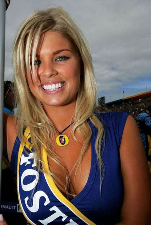 Beautiful Pit Girls of Formula One (59 pics)