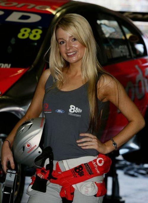 Beautiful Pit Girls Of Formula One 59 Pics-3066