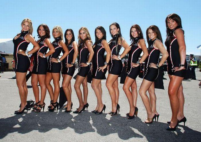 Beautiful Pit Girls Of Formula One 59 Pics-2517