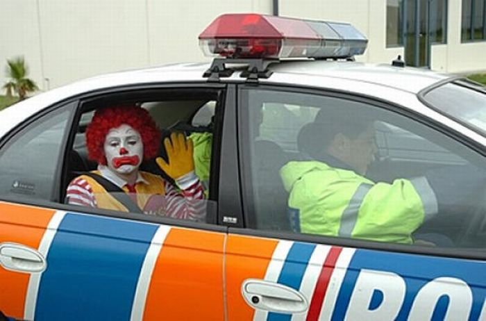 Difficult Life of Ronald McDonald (31 pics)