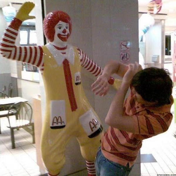 Difficult Life of Ronald McDonald (31 pics)