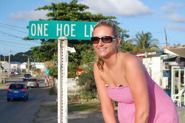 Funny and Strange Street Names (35 pics)