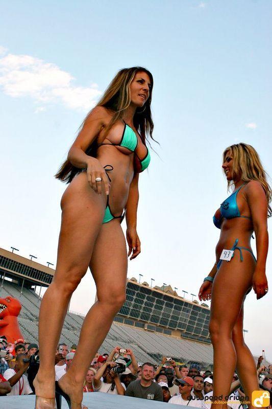 Bikini Contest (53 pics)