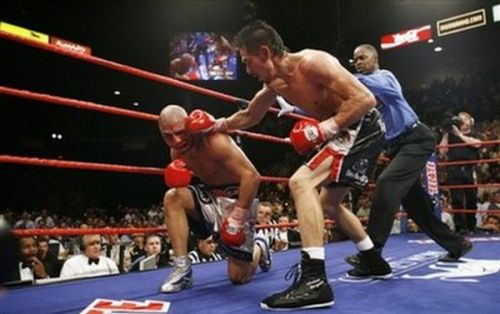 Getting Knocked Out (42 pics)