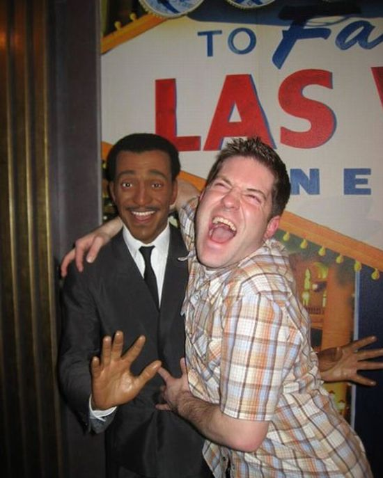 A Guy Has Fun in a Wax Museum (20 pics)