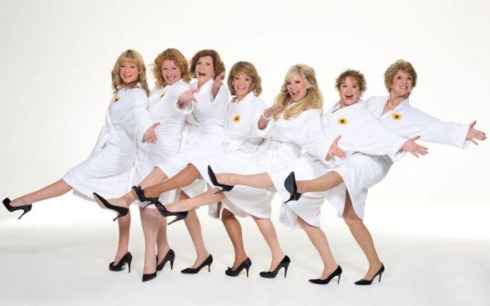 UK Housewives Calendar (30 pics)