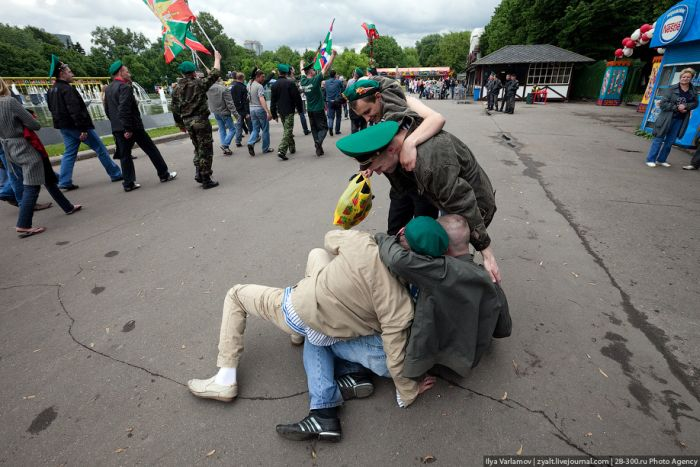 Border Guard's Day in Moscow (51 pics)