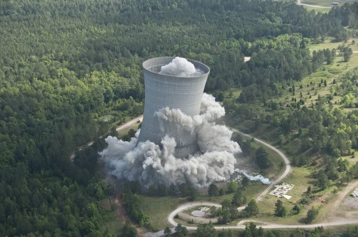 The Demolition of the Colossal K Cooling Tower (9 pics)