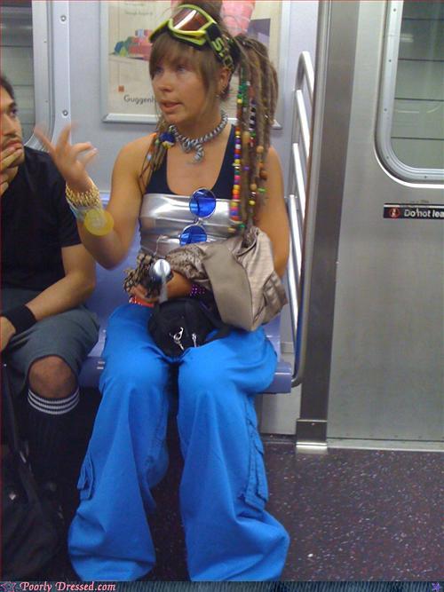 Strange Dressed People (80 pics)