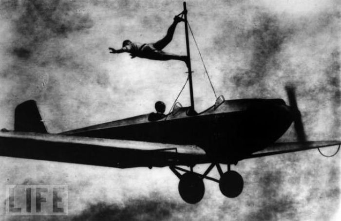 Amazing Stunts from the Past (26 pics)