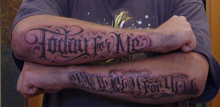 Typographic Tattoos (28 pics)