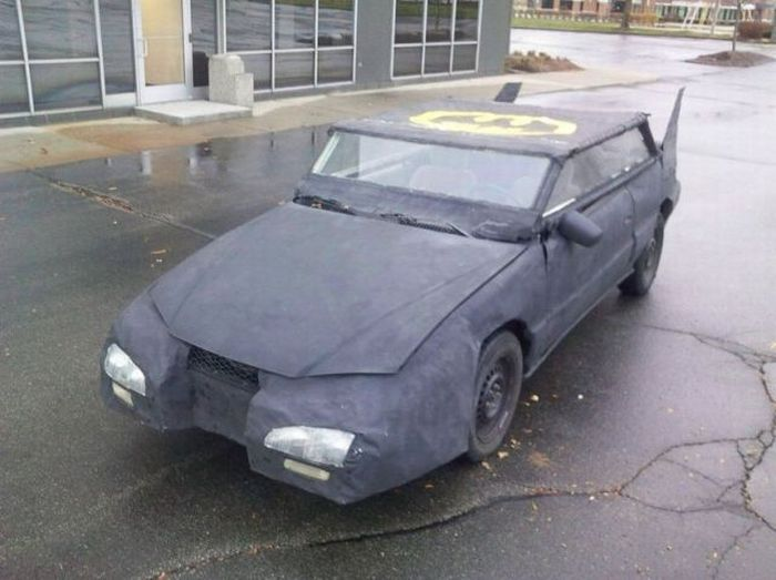 The Worst Batmobile in the World (15 pics)