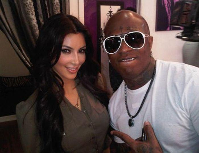 Kim Kardashian's Twitter Photos (23 pics)