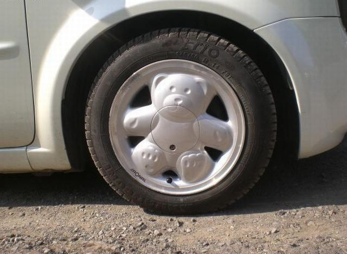 Teddy Bear Wheels. Now in Color (8 pics)