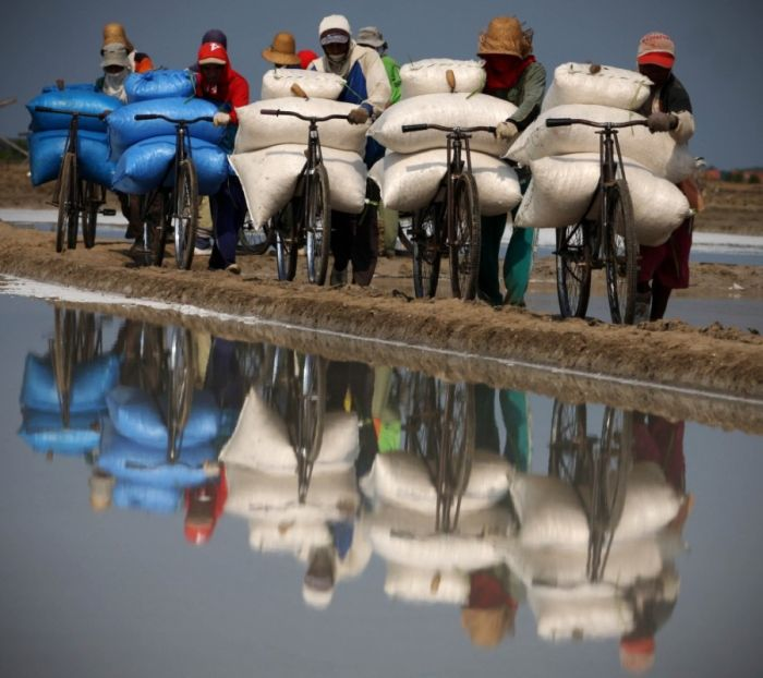 Salt Production in India and Indonesia (28 pics)