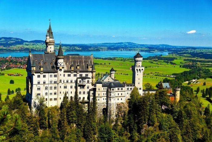 Neuschwanstein Castle. Germany (11 pics)