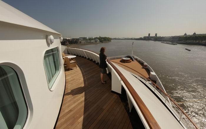Cruise Ship Seabourn Sojourn (18 pics)