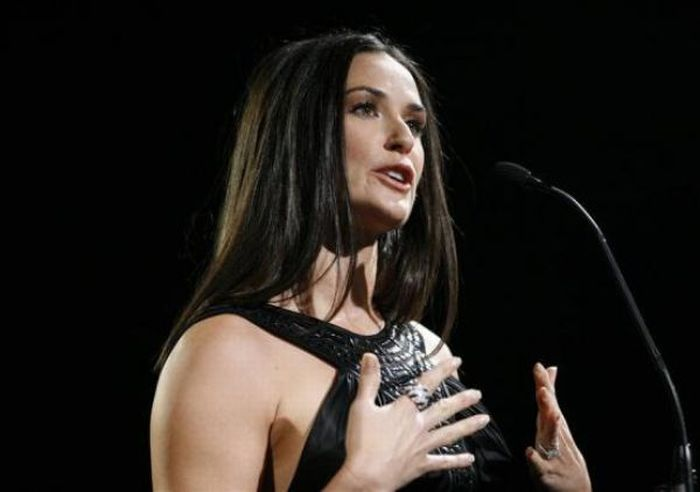 Demi Moore and Her Famous Husbands (34 pics)