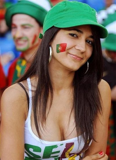 Sexy World Cup Fans (104 pics)