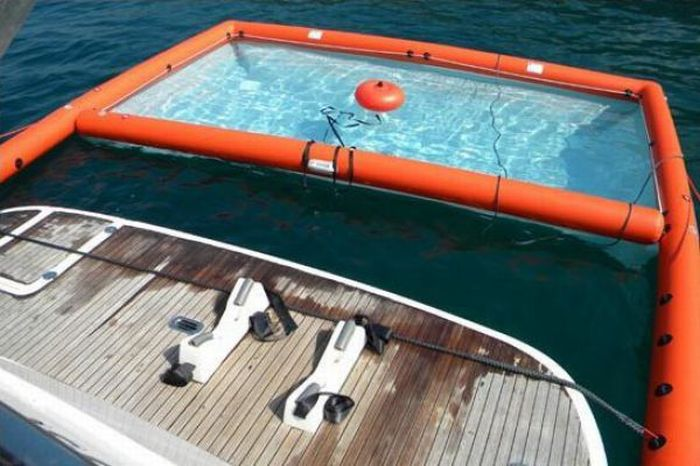 Magic Swim - Great Pool for a Yacht (11 pics)