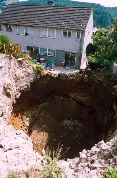 Giant Sinkholes And Road Collapses 35 Pics