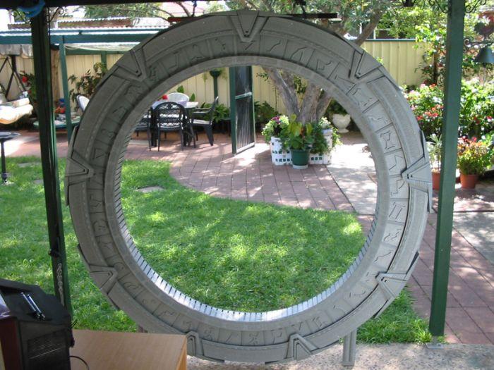 Homemade Stargate (13 pics)