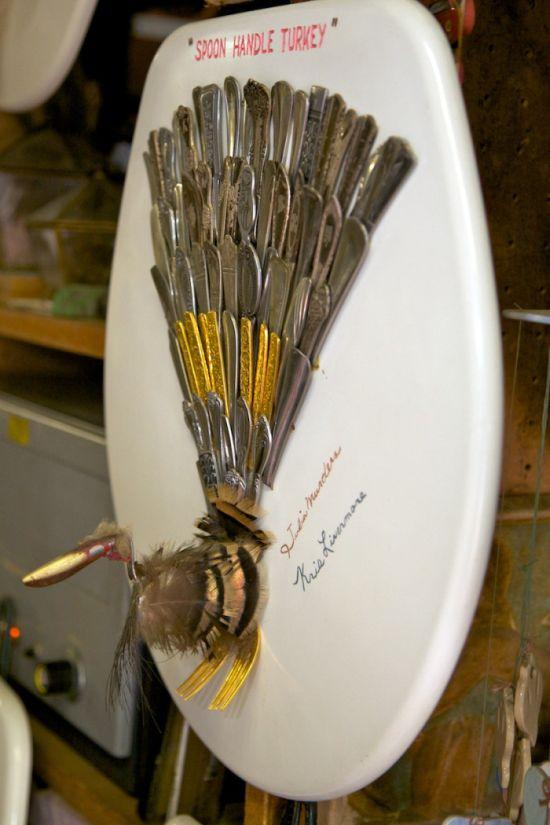 Toilet Seat Art Museum (34 pics)