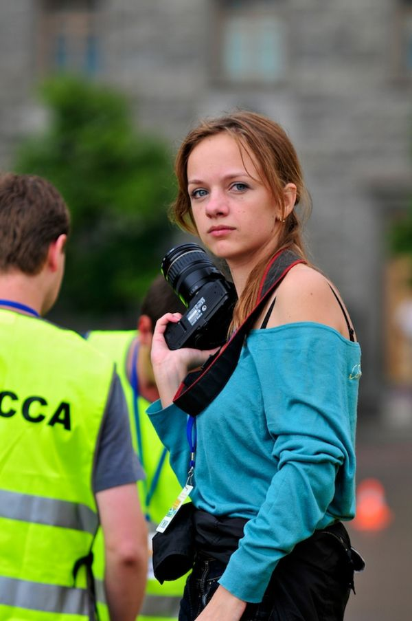 Girls with Cameras (34 pics)