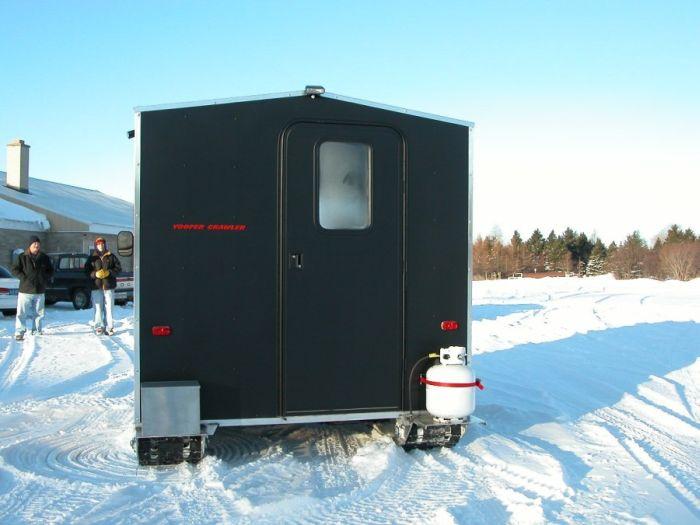 Ice Fishing House (8 pics)
