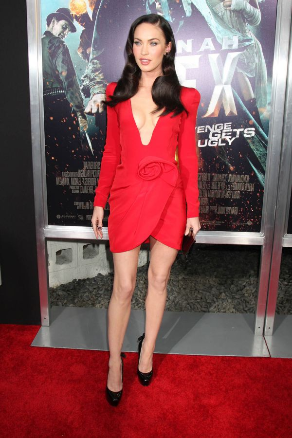 Gorgeous Megan Fox in Red Dress (8 pics)
