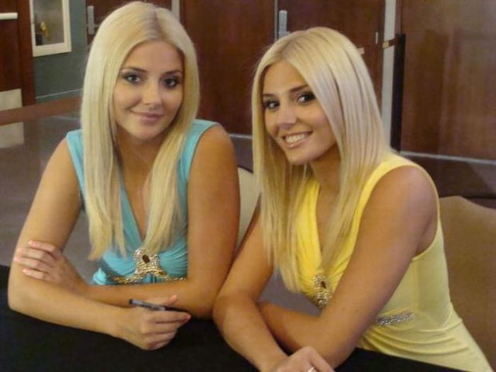 Cute And Sexy Twin Girls 38 Pics-6456