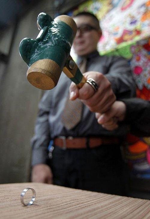 Divorce Ceremony in Japan (5 pics)