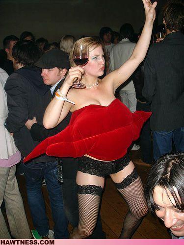 Hot Girls Doing Strange Things. Part 2 (70 pics)