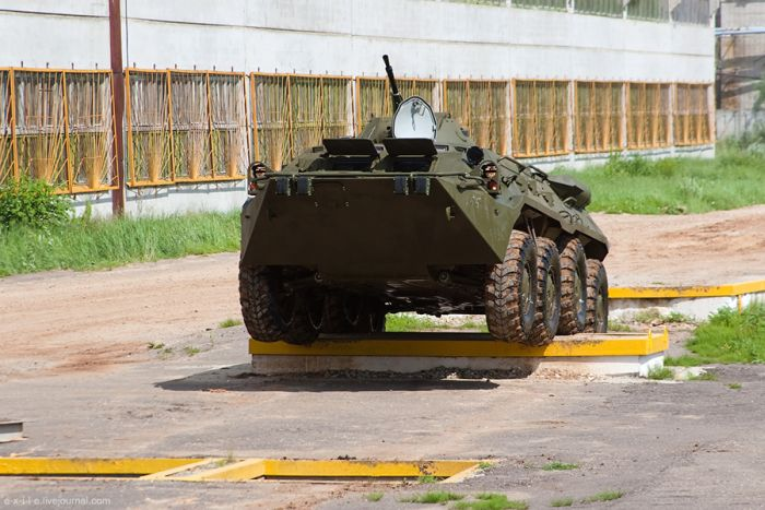 Production Facilities of Armored Troop-Carriers in Russia (76 pics)